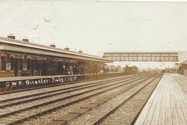 Bicester station circa 1910