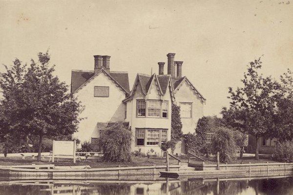 The Swan Inn, Rose Island, River Thames