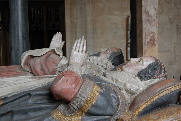 The monument to Sir Lawrence Tanfield in Burford Church.