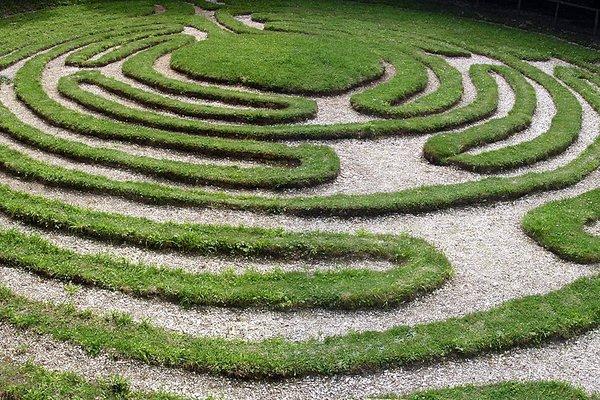 A turf maze